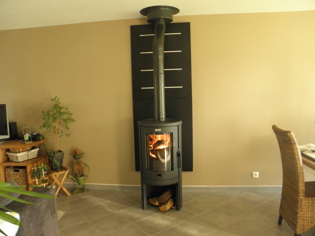 plaquette de parement derrire poele bois amazing good with plaque derriere poele a bois. Black Bedroom Furniture Sets. Home Design Ideas