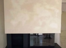 Cheminée Sureau avec soubassement granit et foyer 895-2V