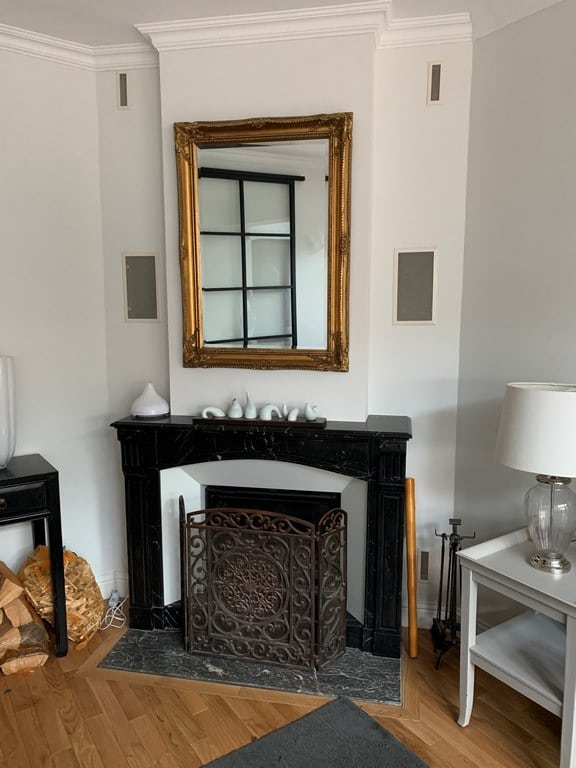 Cheminée marbre et acier blanc foyer 778 PR